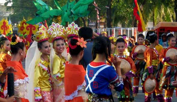 Kalilangan Festival parade